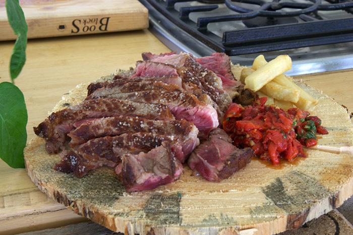 Basque Recipe: Txuleta with Red Pepper