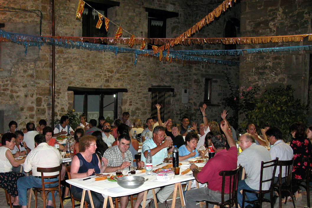 A communal supper in Romeria, Mieres. Photo courtesy of A.F. Robertson