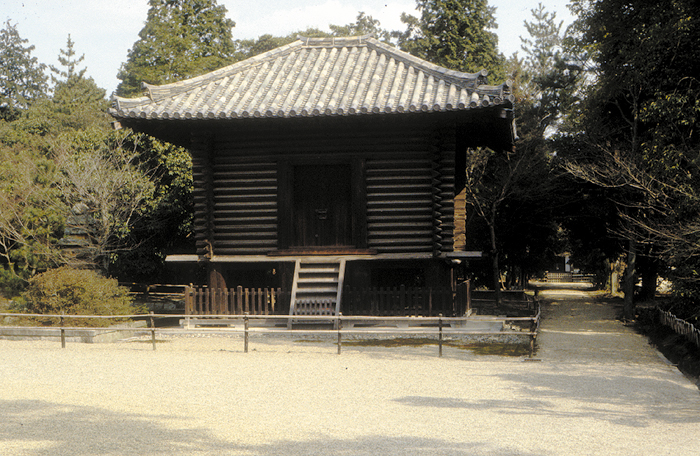 The Shosoin Repository was built in the 8th century as a storehouse for the Todaiji Temple. Its wooden construction regulated the temperature and humidity of the many precious objects received from Silk Road travelers. The treasury is now under the jurisdiction of the Imperial Household, and some objects are on view only twice a year.