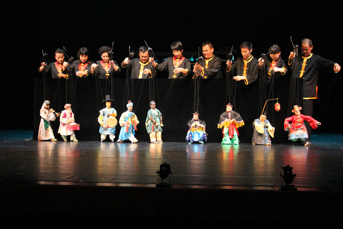 Photo courtesy of the Quangzhou Puppet Troupe