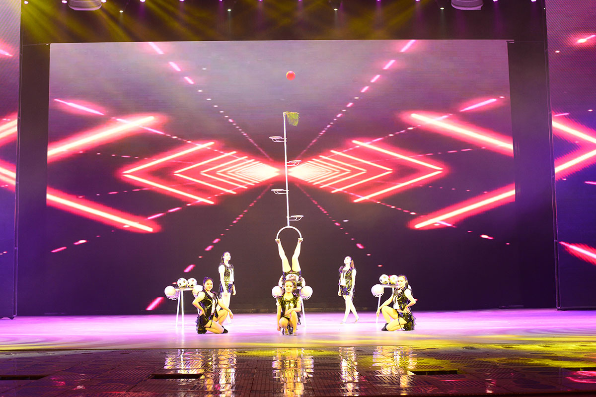 Photo courtesy of Hebei Golden Acrobatic Troupe