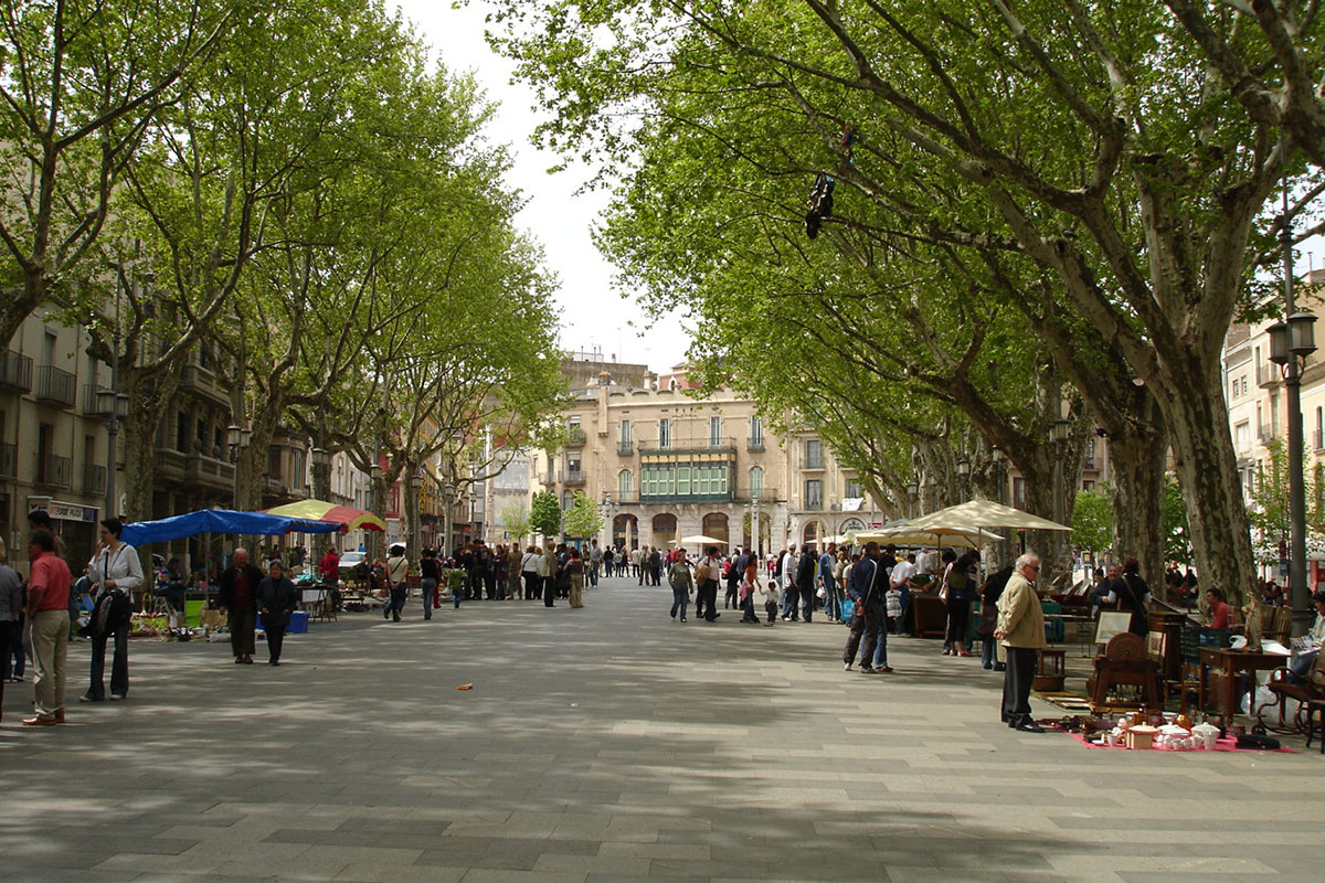 Rambla (street) in the municipality of Figueres, birthplace of Salvador Dalí.