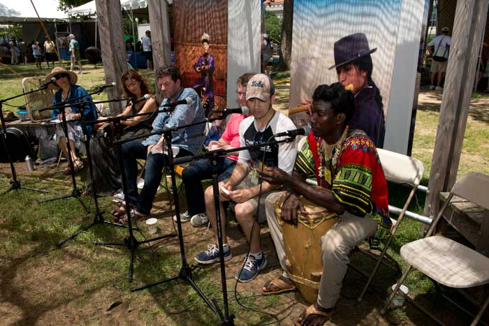 Betty Belanus co-presents a cross-cultural music sharing between musicians from Wales and Colombia at the <i>One World, Many Voices</i> Song and Story Circle. Photo by Walter Larrimore, Ralph Rinzler Folklife Archives