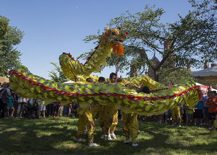 The Zhejiang Wu Opera Troupe takes over People's Park with their Dragon Dance.
