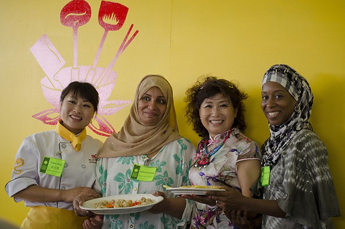 During a cross-program cooking demonstration on dumplings, Chinese chefs taught Kenyan chefs to make wontons, and Kenyan chefs taught Chinese chefs to make samosas.