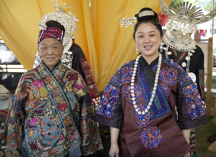Pan Yuzhen and Zhang Hongying at the 2014 Smithsonian Folklife Festival. Photo by Francisco X. Guerra, Ralph Rinzler Folklife Archives