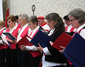 The Elgarrekin Choir at the San Francisco Basque Cultural Center. Photo by Elisa Hough, Ralph Rinzler Folklife Archives