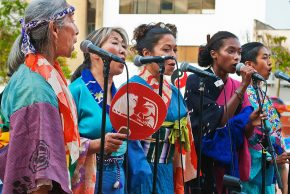 Fandangobon women singing. hoto by Mike Murase, courtesy of Great Leap