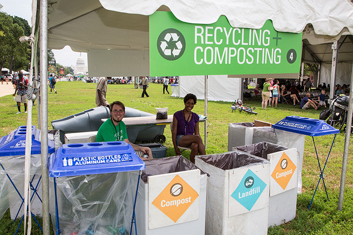 Volunteers manage a resource recovery station at the 2014 Folklife Festival. Photo by Francisco Guerra, Ralph Rinzler Folklife Archives