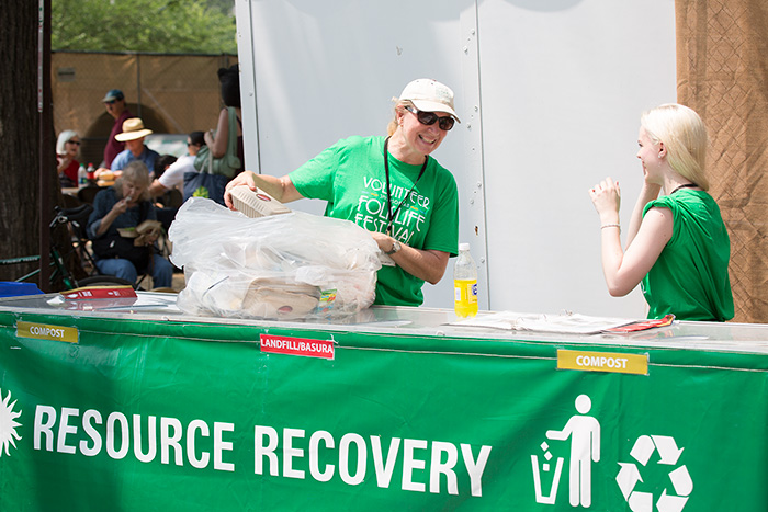 Volunteers at the 2015 Folklife Festival collect recyclables from visitors. Photo by Francisco Guerra, Ralph Rinzler Folklife Archives